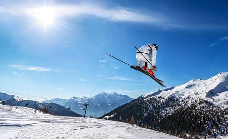 Ски почивка в Чепеларе през Януари! Нощувка със закуска и вечеря