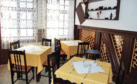 Романтика за двама в Трявна! 2 или 3 нощувки със закуски и вечери