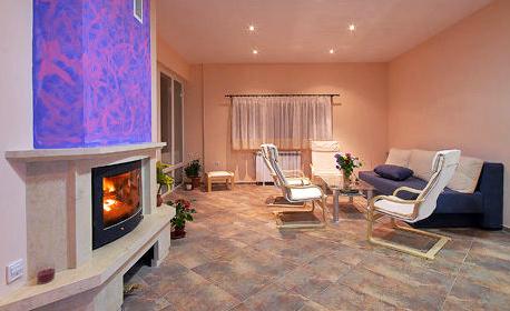 С компанията в Люлин планина през Януари! 1 или 2 нощувки в къща за до 11 човека, с. Люлин