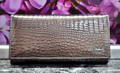 90cd233ecef Портмоне Дамско портмоне от естествена кожа с лак, в цвят по избор