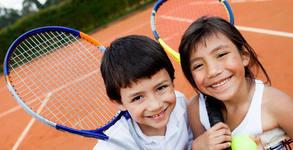 Тенис на корт за начинаещи деца до 12г с треньор в група - 2 или 5 тренировки