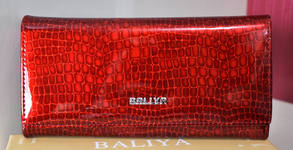 Дамско портмоне от естествена кожа в червен цвят - модел по избор