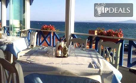 Почивка за двама в Поморие! Нощувка - без или със закуска - на морския бряг