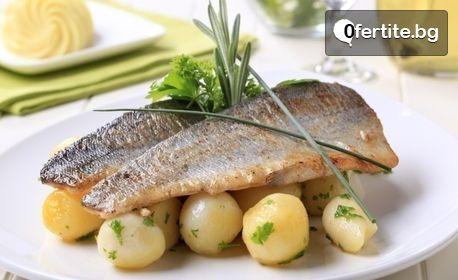 Вкусна рибка за вкъщи! 600гр пържена пъстърва, плюс 600гр картофки соте