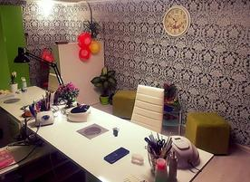 Creative nails studio