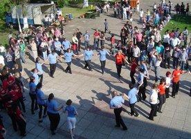 Школа за народни танци Луди Млади - Пловдив