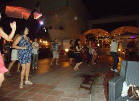 Школа по салса YB Dance Team