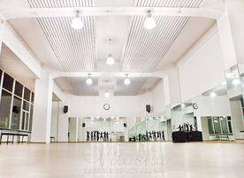 """Танцова школа """"Нашенци"""""""