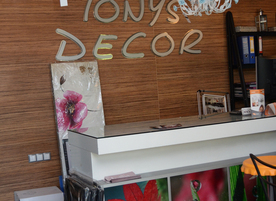 Tony`s Decor