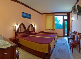Хотел Manz 2