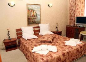 Хотел Свети Стефан**