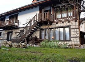 Тренчова къща за гости***