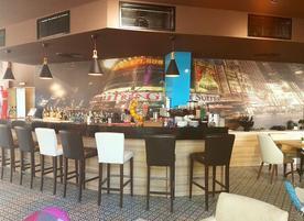 Corner Bar & Dinner