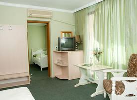 Хотел с бистро Боряна, кв. Крайморие