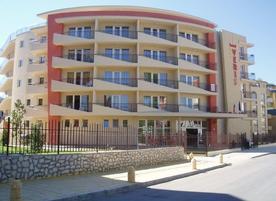 Хотел Верис