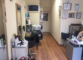 Hair studio Jordani