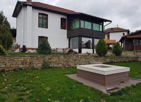 Къща за гости Поликсения Петиня
