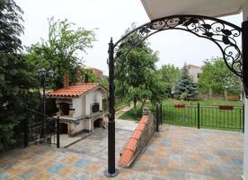 Къща за гости Перуника