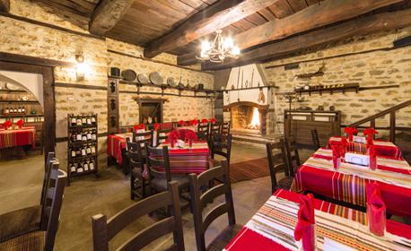Почивка в Арбанаси! Нощувка със закуска и вечеря, плюс бутилка вино или релакс зона