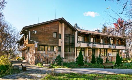 Посетете бившата резиденция на Тодор Живков! 2 нощувки със закуски, обеди и вечери