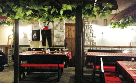 3 или 8 Март в Старозагорски минерални бани! Нощувка със закуска и празнична вечеря с неограничено вино