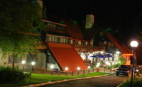 През Септември в Боровец! Нощувка със закуска - без или със вечеря, плюс SPA