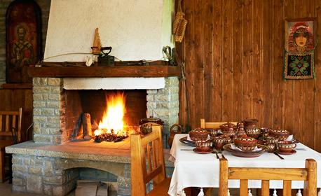 Приказен релакс в 200-годишна къща в Жеравна! 2 нощувки за до 18 човека