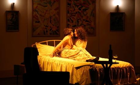 """Постановката """"Легло за трима"""" на 29 Май"""