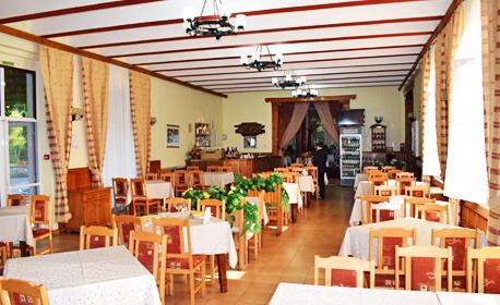 Великден край Габрово! 2, 3 или 4 нощувки със закуски и вечери - едната празнична, плюс релакс зона - в с. Врабците