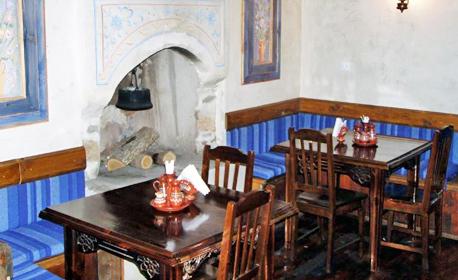 Романтика във Велинград! Нощувка със закуска и вечеря за двама
