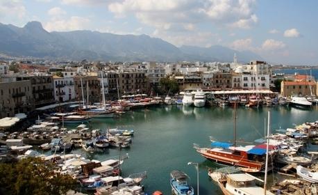 Нова година в Кипър! 3 нощувки със закуски и вечери - едната празнична, плюс самолетен транспорт