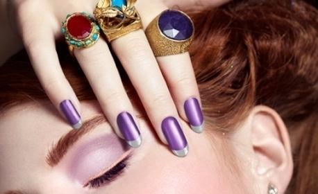 Маникюр с лак или гел лак, ноктопластика или гел върху естествен нокът, плюс неограничен брой декорации