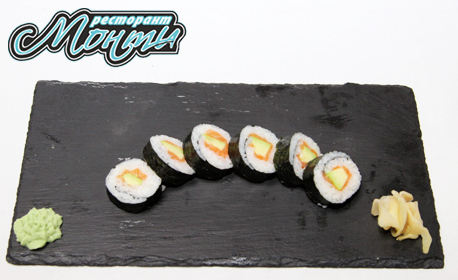 Суши сет по избор - Урамаки сьомга с 4 хапки или Джъмбо с 36 хапки