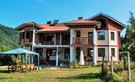 Релакс за двама в Троянския Балкан! Нощувка със закуска и вечеря - в с. Черни Осъм
