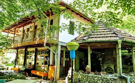 Домашен уют в сърцето на Стара планина, край Етрополе! Нощувка в с. Ямна