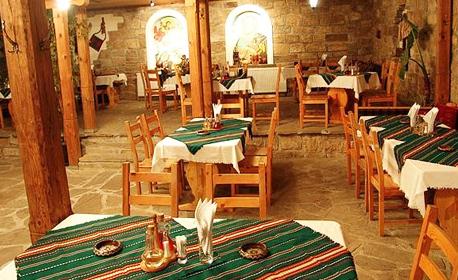 Почивка в Арбанаси! 1 нощувка със закуска или 2 нощувки със закуски и вечери