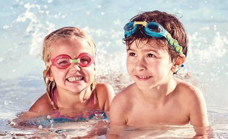 Урок по плуване за дете или възрастен с треньор