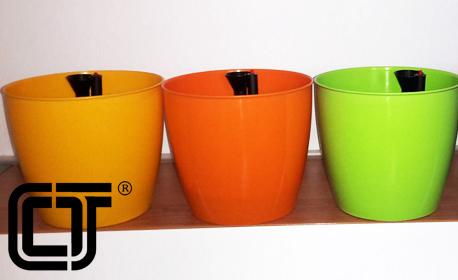 2 или 3 броя самополивна саксия в цвят по избор