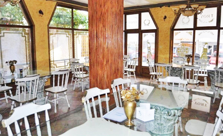 През Юли в Свети Влас! Нощувка с възможност за закуска и вечеря, плюс панорамен басейн и сауна