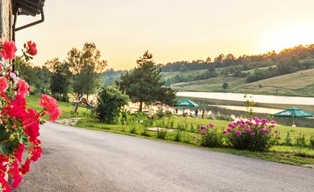 Почивка в Еленския Балкан - на брега на язовир Палици! Нощувка със закуска и вечеря