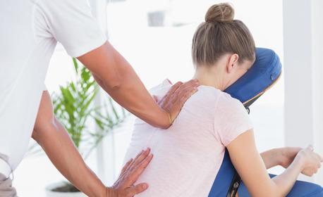 Месечна карта за 4 броя офис масажи на гръб, рамене, ръце, шия и глава за 5 човека - на посочен адрес