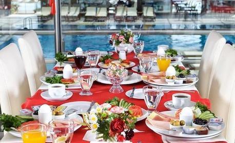 През Май в Турция! 4 нощувки със закуски и вечери в Хотел Blue World 4* в Кумбургаз