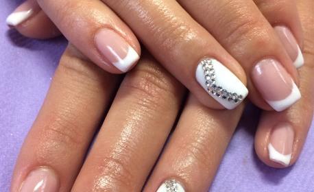 Маникюр с гел лак - без или със поставяне на гел върху естествен нокът или ноктопластика с удължители