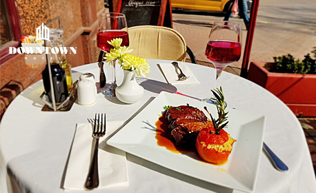 Белгийска шоколадова торта и греяно вино с ябълково-цитрусов вкус