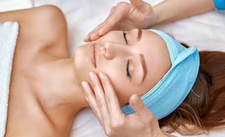 Лифтинг и хидратираща терапия на лице и околочен контур, хиалуронов серум и топла и студена активация - без или със кислороден душ