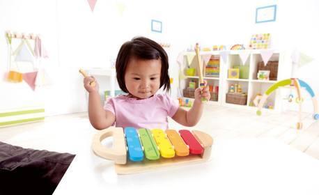 Детска дървена играчка Hape - многоцветен дървен ксилофон