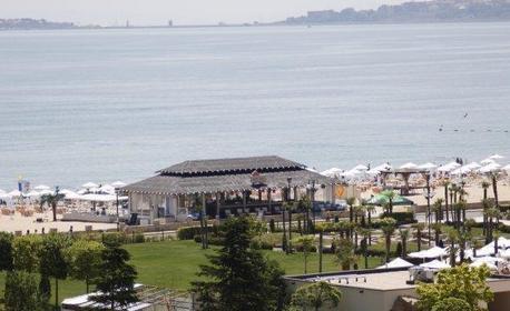 През Май и Юни в Слънчев бряг! 2, 3 или 5 нощувки на база All Inclusive - на 100 метра от плажа