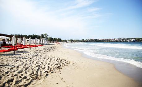 През Юни край Созопол! 2, 3 или 5 нощувки със закуски - на 30м от плажа в Каваци