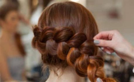 Подстригване на коса и оформяне на плитка - без или със подхранване с продукти на Milk_shake