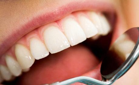 Почистване на зъбен камък и плака и полиране на зъбите с Air Flow, плюс обстоен преглед